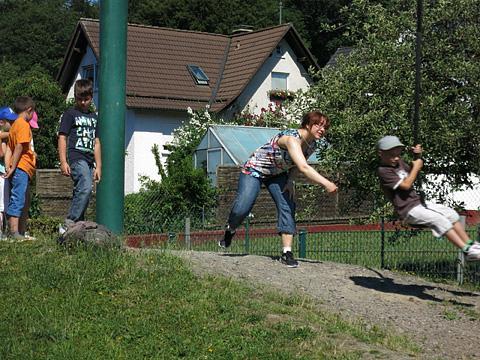 Auf dem Spielplatz in Lieberhausen