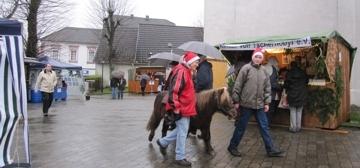 Pony von Vogt auf dem Weihnachtsmarkt