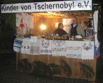 Informationsstand auf dem Weihnachtsmarkt in Kierspe