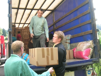 Hilfsgütertransport, beladen