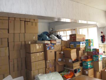 Verpacken von Hilfsgütern