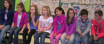 deutsche Kinder im Gespräch mit ukrainischen
