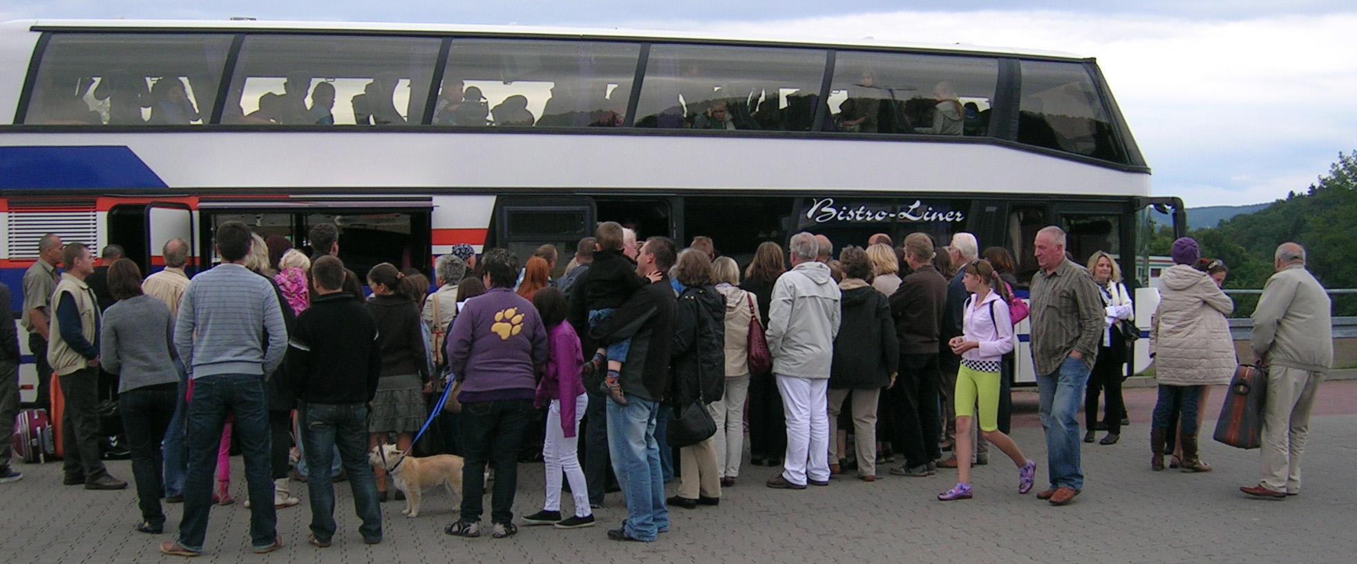Kinderbus aus Wischgorod in Kierspe angekommen