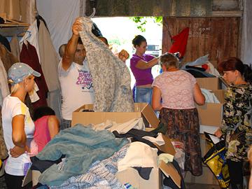Hilfsgüterverteilung in Bila Zerkwa 2011