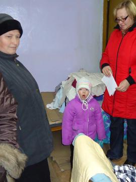 Hilfsgüterverteilung in Wischgorod