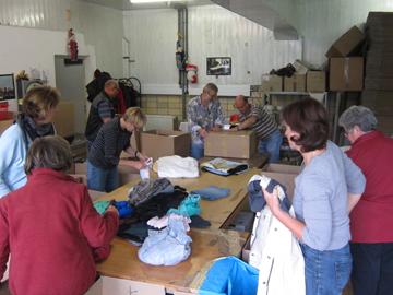 Hilfsgüterannahme in unserm Lager