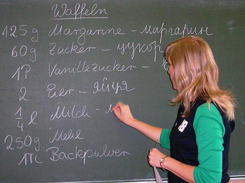 Beim Waffelbacken in der Gesamtschule Kierspe