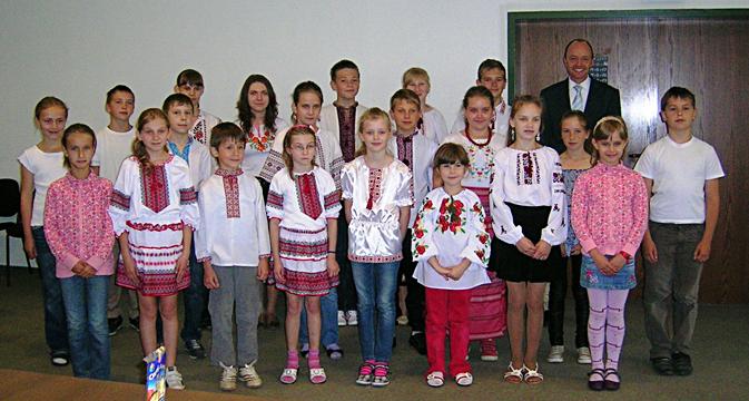 Kinder aus der Ukraine beim Bürgermeister in Kierspe